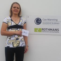 Kelly Duncan, Tax Associate at Rothmans Accountants, receives her Dementia Friends certificate